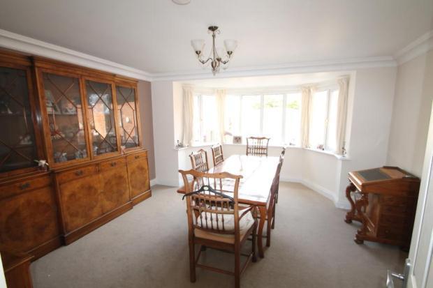 6 - Dining Room - Sw