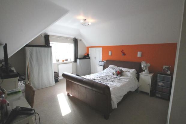 10 - Bedroom 2 Sharw