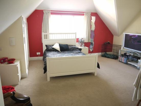 11 - Bedroom 3 Sharw