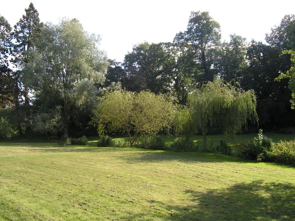Residents Gardens 3