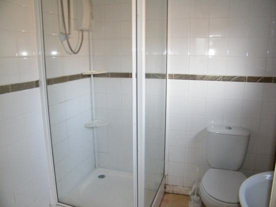 Annexe Shower/ W.C