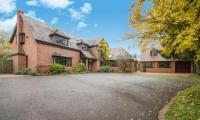 5 bed Detached home for sale in Kington Lane, Claverdon...