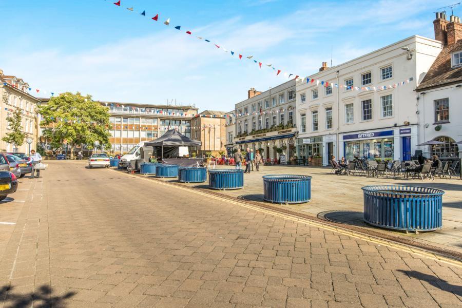Market Sq. Warwick