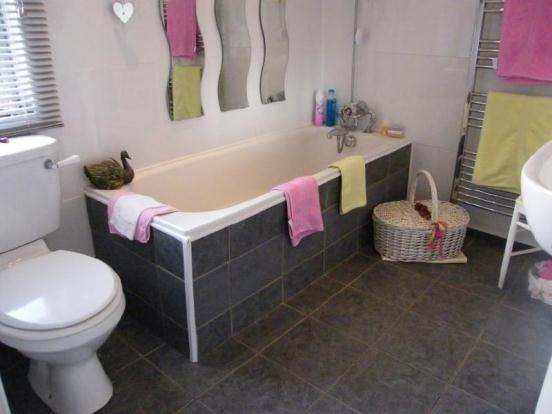 Bathroom FF