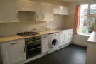 2 bedroom Flat in Portsmouth Road