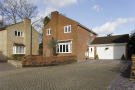 4 bedroom Detached home to rent in Wentworth Close, WD17