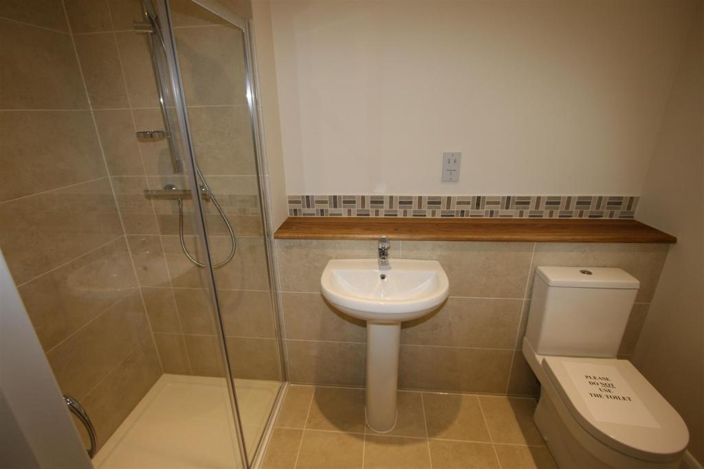 En Suite Shower Two