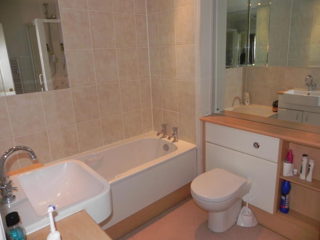 Second Ensuite Bathroom