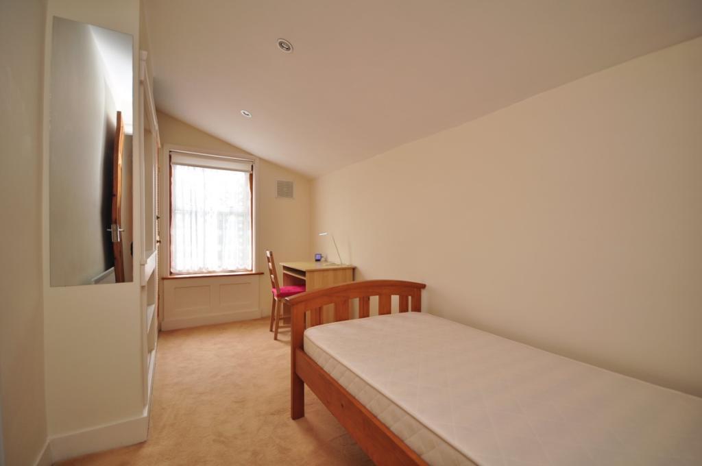 Eva Road bedroom ...