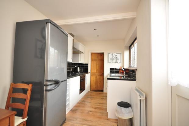 Eva Road kitchen 012