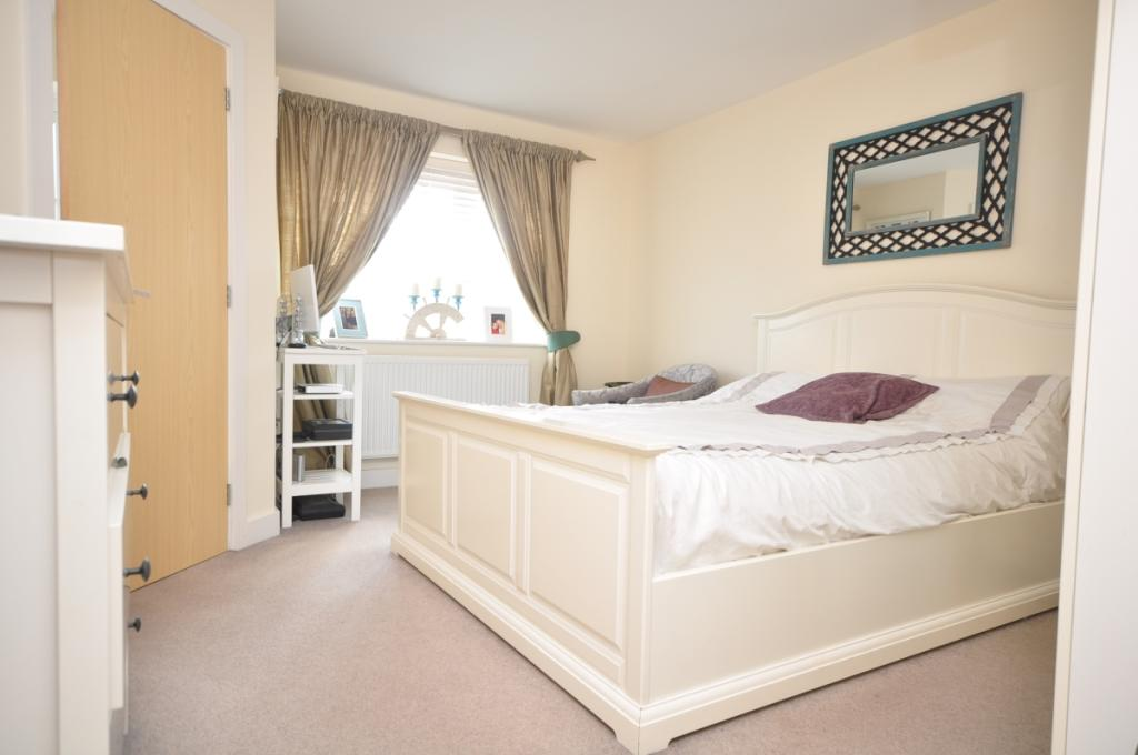 larch end bedroom 1