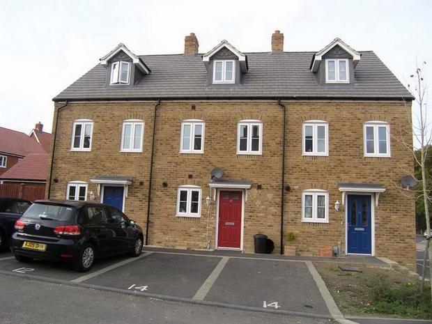 3 Bedroom Terraced House For Sale In Poppy Mead Kingsnorth Ashford Kent Tn23