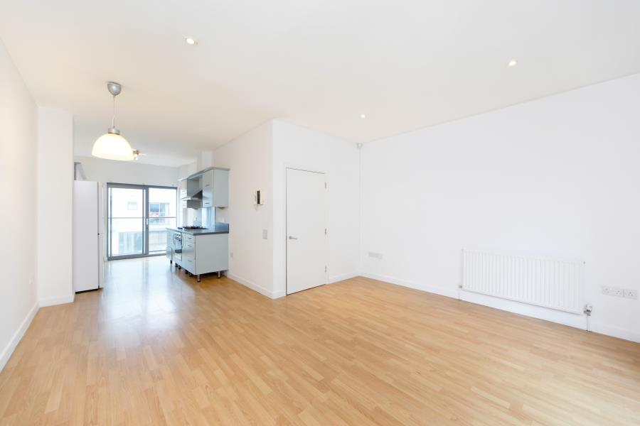 4 bedroom apartment to rent in justines place bethnal