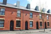 Terraced house to rent in Laburnum Street...