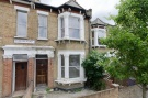 Flat to rent in Ivanhoe Road, Camberwell...