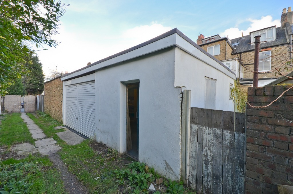 Commercial Property To Rent In Garage Lock Up Dulwich