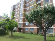 2 bed Flat in Mandalay Court...
