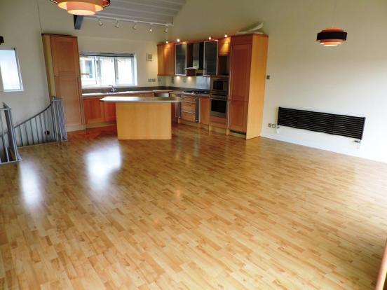 Kitchen/lounge