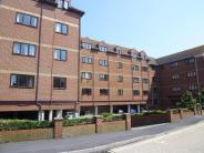 2 bedroom Flat to rent in Wises Court, Mumby Road...