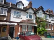 Ground Flat to rent in Heathfield Road, Croydon