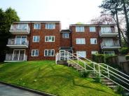 2 bedroom Flat in Whitegates...