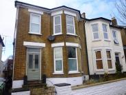 Ground Flat to rent in Lismore Road...