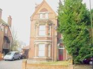 Flat to rent in Upper Lattimore Road...