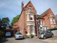 2 bedroom Flat in Upper Lattimore Road...