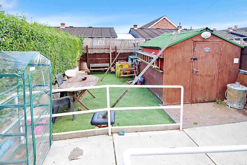 REBE-DY-rear garden