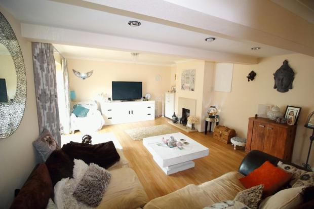 3 bedroom detached house for sale in caterham valley cr3 for Living room 18 x 12