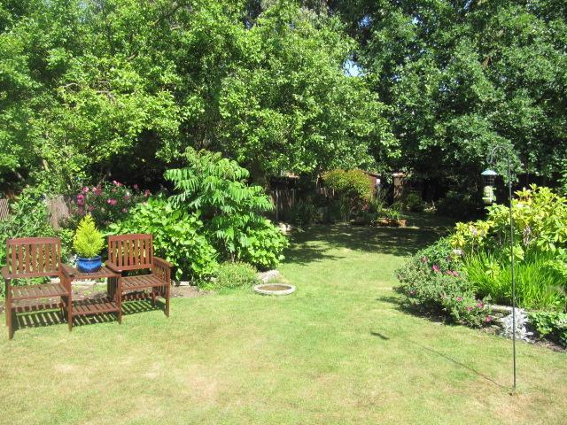 Rear garden alterna