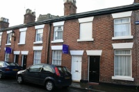 2 bed Terraced property in Pyecroft Street...