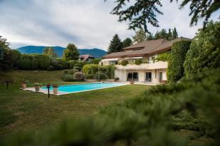 5 bed Villa for sale in DIVONNE-LES-BAINS ...