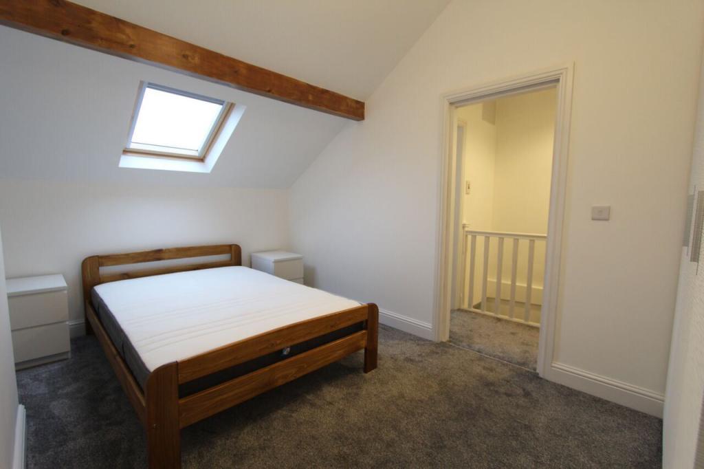 Flat 2 Bedroom1.jpg