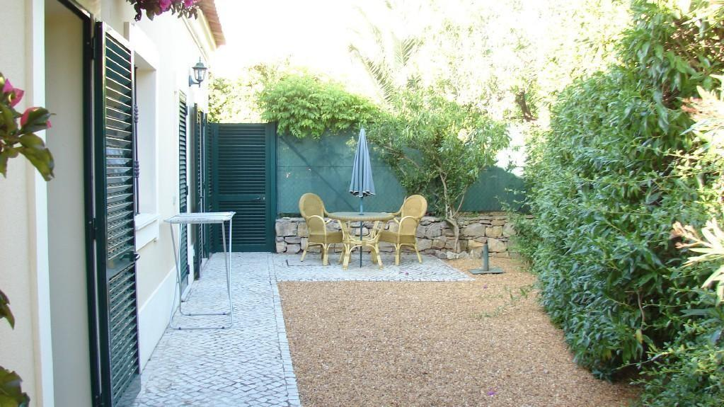 photo of gravel garden and paving