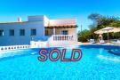 4 bed Villa for sale in Santa Bárbara de Nexe...