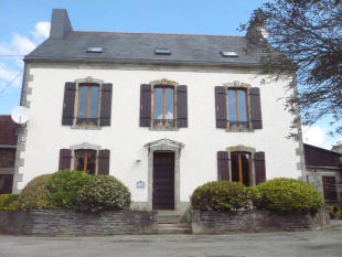 Farm House for sale in Châteaulin, Finistère...