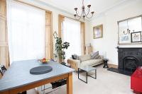 Flat to rent in Almeida Street, London...