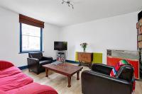 1 bed Flat to rent in Gable Lodge, Essex Road...