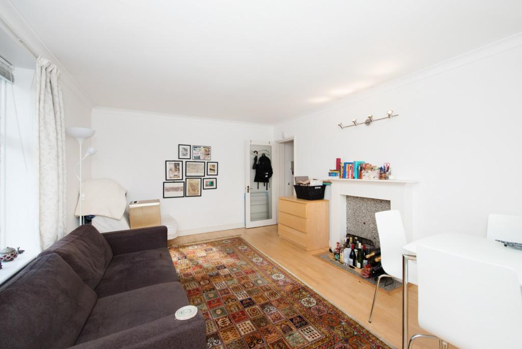one bedroom flat to
