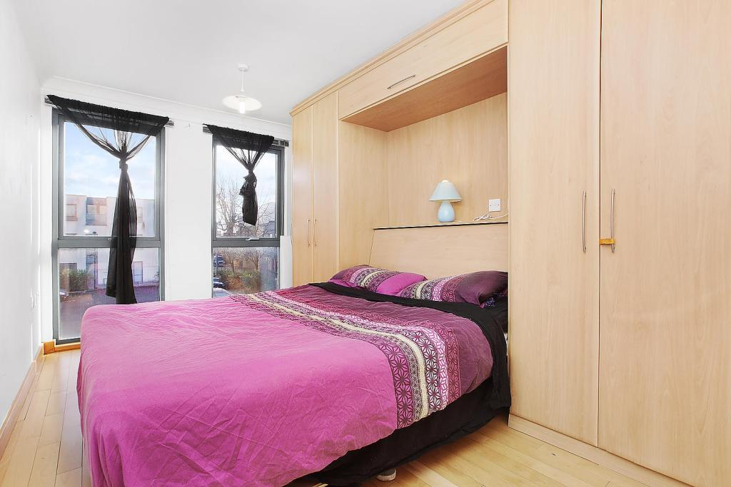 two bed flat dalston
