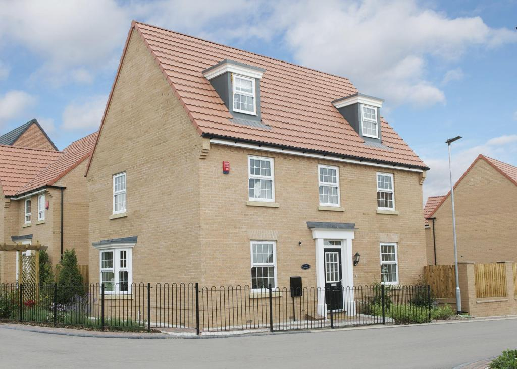 5 bedroom detached house for sale in bawtry road