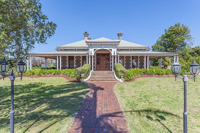 6 bedroom home for sale in Queensland, Harristown