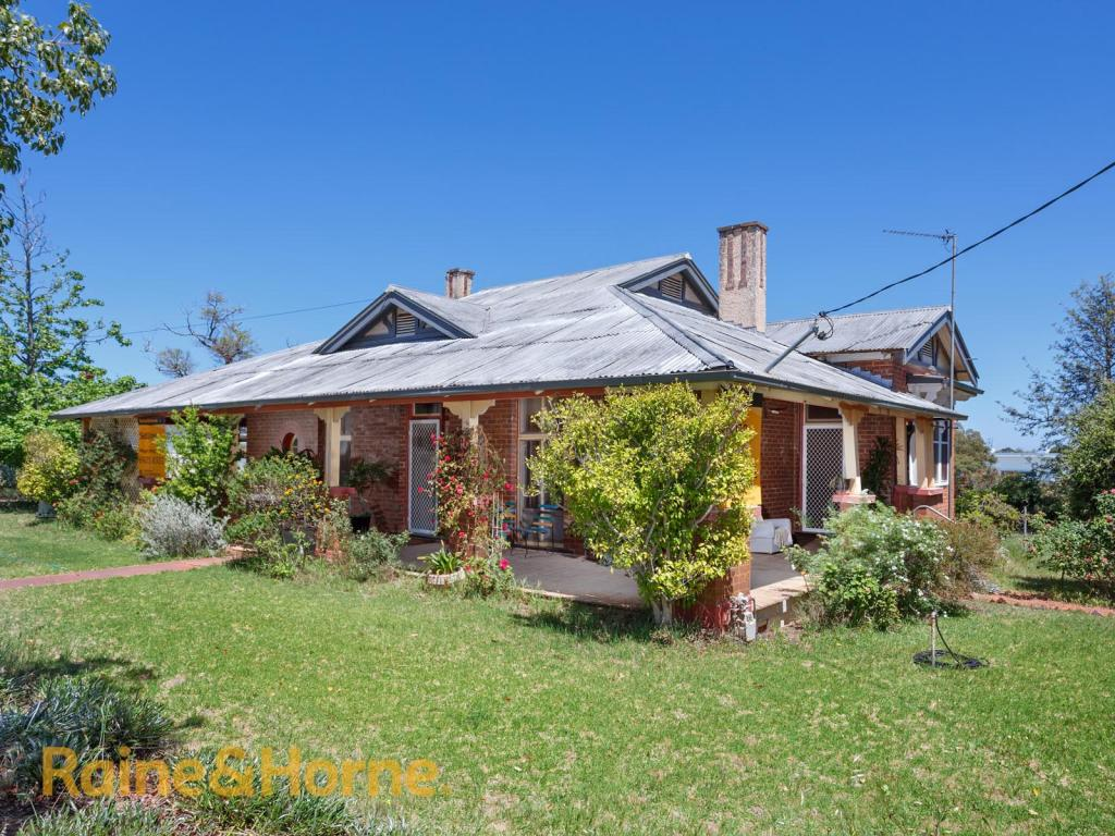 4 bedroom house in New South Wales, Coolamon