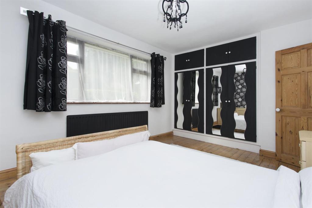 bed22.jpg