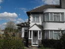 semi detached property to rent in South Croydon