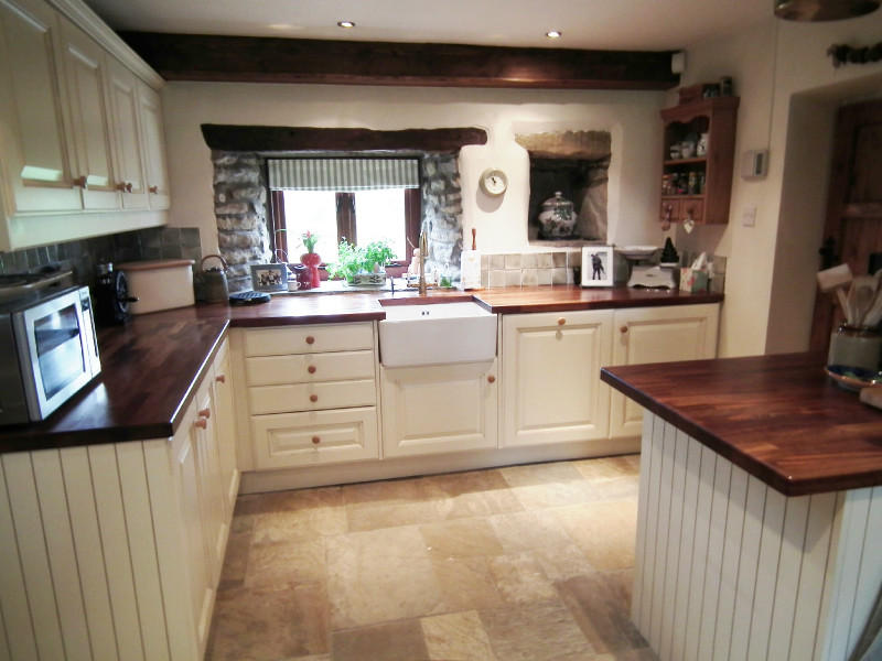 Click to see a larger image for Country farm kitchen ideas