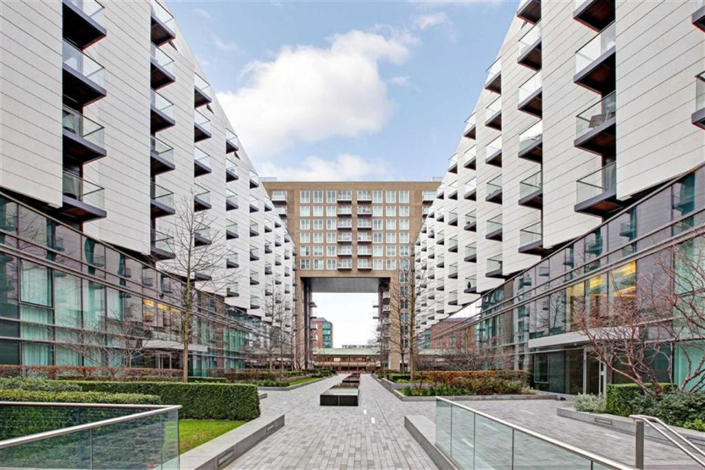 2 bedroom apartment for sale in Baltimore Wharf London