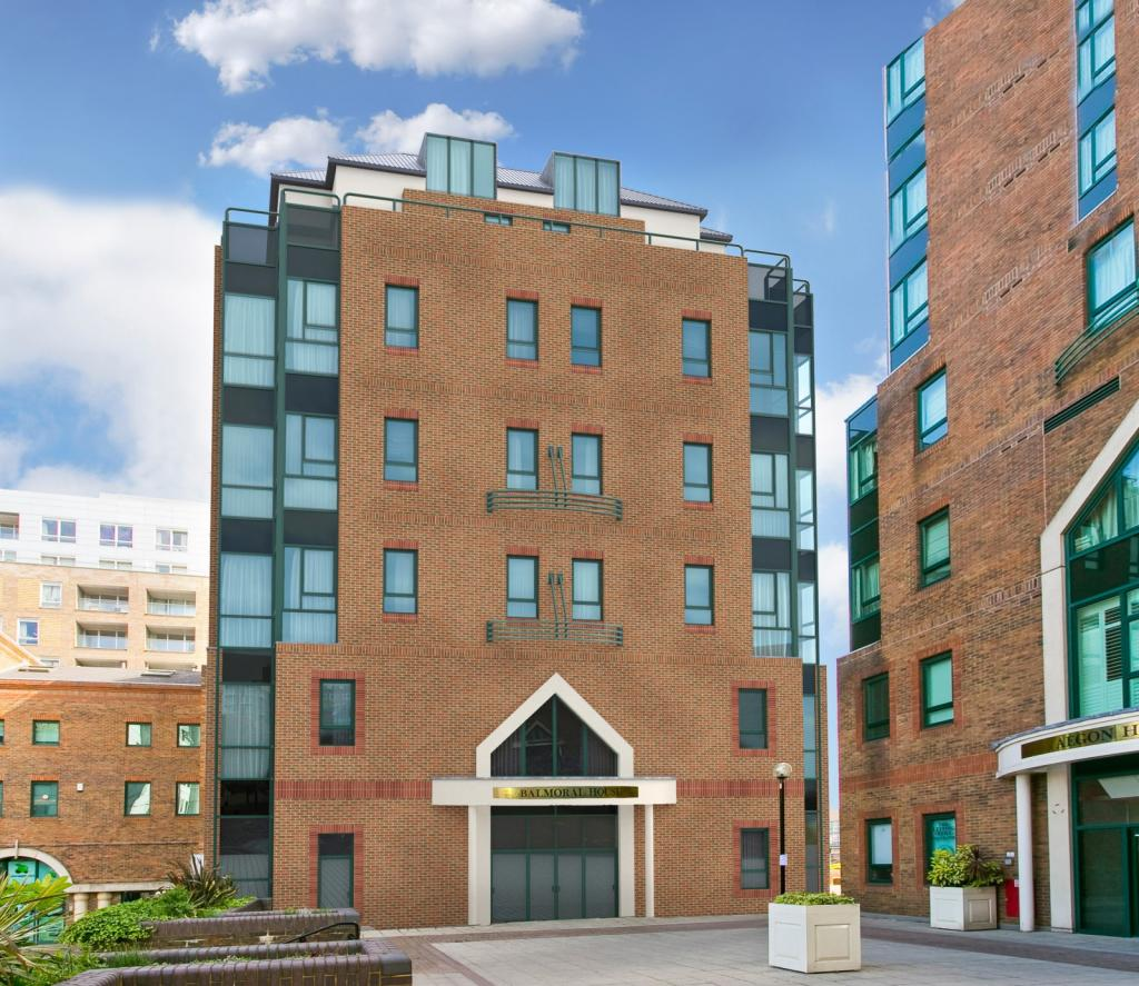 From Historic Warehouse To Splendid New Apartment S In London: 1 Bedroom Apartment For Sale In Balmoral House, Canary