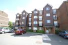 Apartment to rent in Jemmett Close...